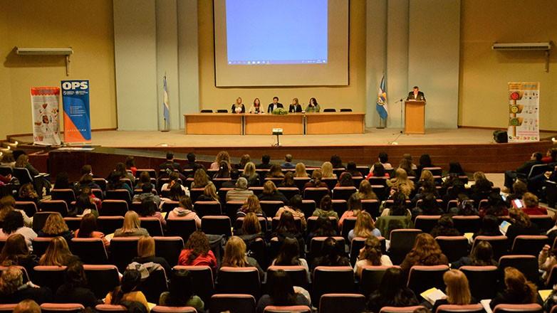 Autoridades y publico participantes de los talleres de Escuelas Promotoras de Salud