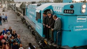 Uñac recorrió las obras de la estación de trenes de Albardón