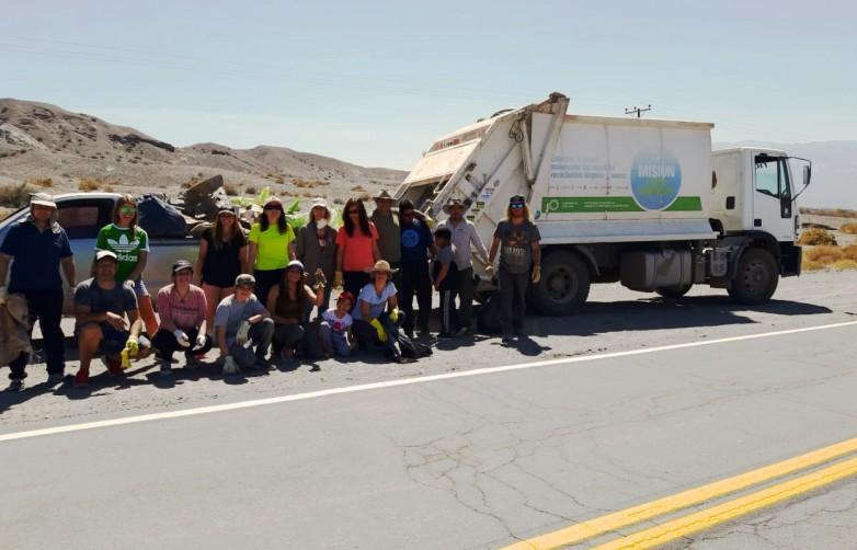 Ambiente trabajó en una campaña de limpieza en Colola