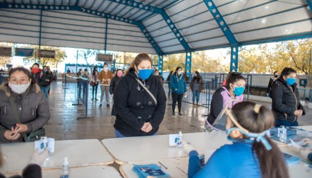 Caucete recibe sus tarjetas AlimentAR, que dejarán $50 millones en el departamento