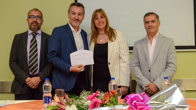 El nuevo director del CAPS Mons. Báez Laspiur es el Dr. Gustavo Paredes. Fotos: Facundo Quiroga