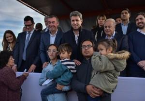 Más viviendas: Uñac entregó 110 casas del Barrio Conjunto 7 en Rivadavia
