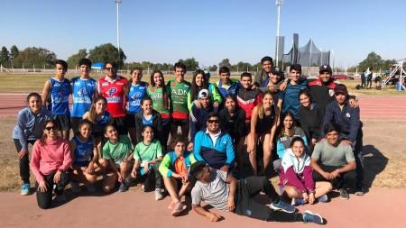 El equipo sanjuanino de atletismo de Binacionales compitió en Mendoza