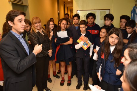 El ministro Baistrocchi inauguró la primera exposición del Archivo