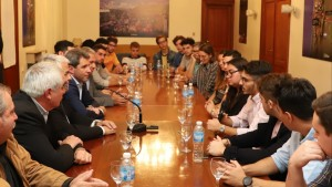Jóvenes emprendedores de la Usina TEC presentaron sus proyectos al gobernador Uñac
