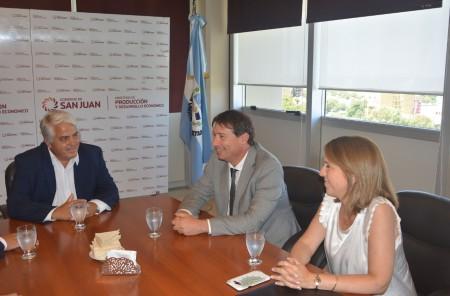 El ministro Díaz Cano se reunió con autoridades regionales de Aduana