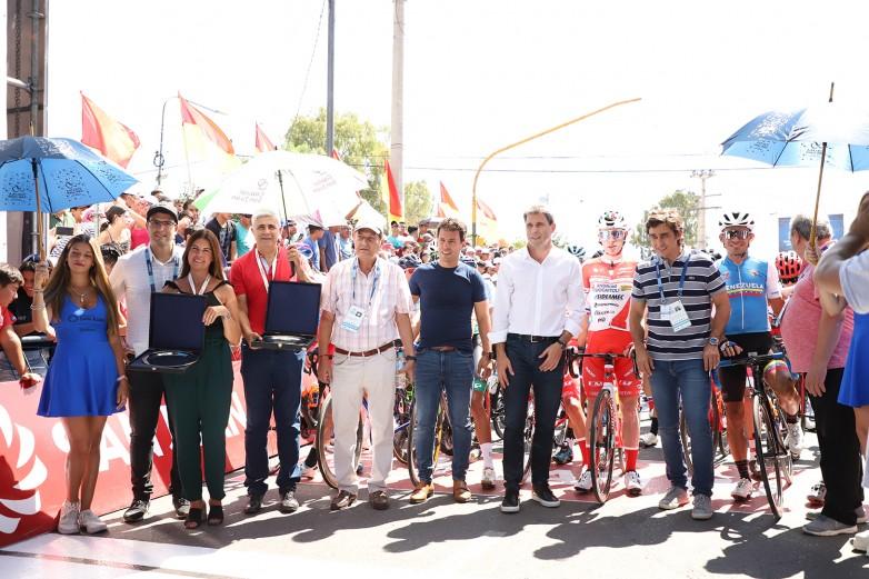 Bajada de bandera para la primera etapa de la Vuelta a San Juan