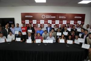 Se recibieron 52 técnicos de fútbol