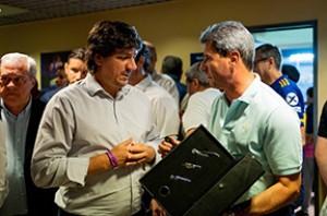 Uñac presenció el triunfo de Boca Jrs y recibió elogios por su política deportiva