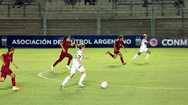 Argentina empató con Venezuela y espera por Bolivia para pasar de ronda