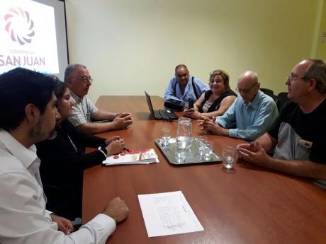 El Ministerio de Producción busca fortalecer al sector foresto industrial