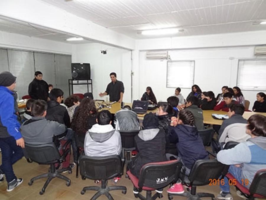 Alumnos de la Escuela Técnica General Manuel Savio de Calingasta visitaron el CIPCAMI