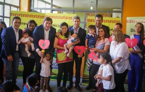 Uñac visitó un Jardín de Cosecha en Angaco y destacó los programas sociales impulsados por la Provincia