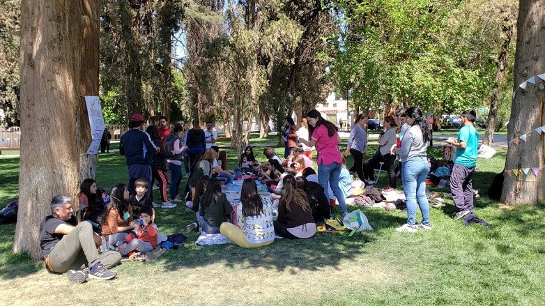 Las familias de los pacientes del Centro Terapéutico Dra. Aurora Pérez compartieron el Día de la Familia en el parque. Fotos: Facundo Quiroga