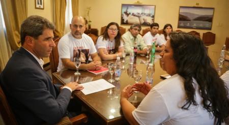 Familiares de víctimas de accidentes viales se entrevistaron con el gobernador