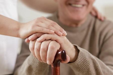 Adultos mayores: conocé el registro local de cuidadores domiciliarios