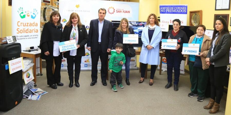 La Caja de Acción Social entregó premios del sorteo de cupones no premiados