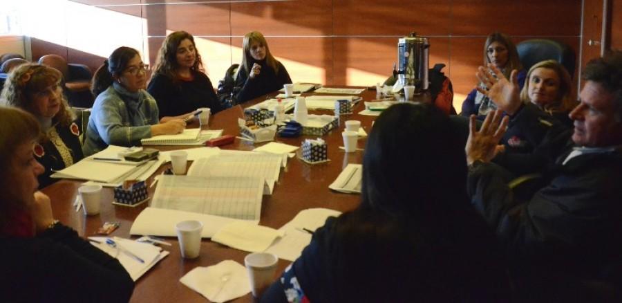 Miembros del programa de discapacidad infanto juvenil evalúan la red de servicios de salud