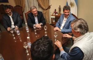 Directivos y pilotos del Súper TC 2000 saludaron al gobernador