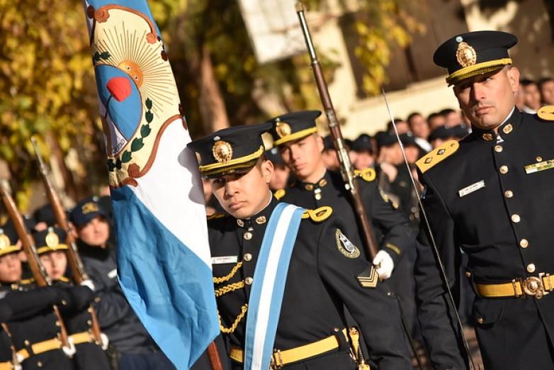 Emotivo cambio de cuerpo de bandera de la Policía de San Juan