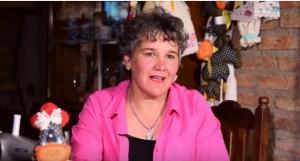 Lleva más de una década haciendo magia con sus artesanías para bebés