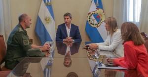 Uñac se reunió con los titulares de Aduana y Gendarmería en San Juan