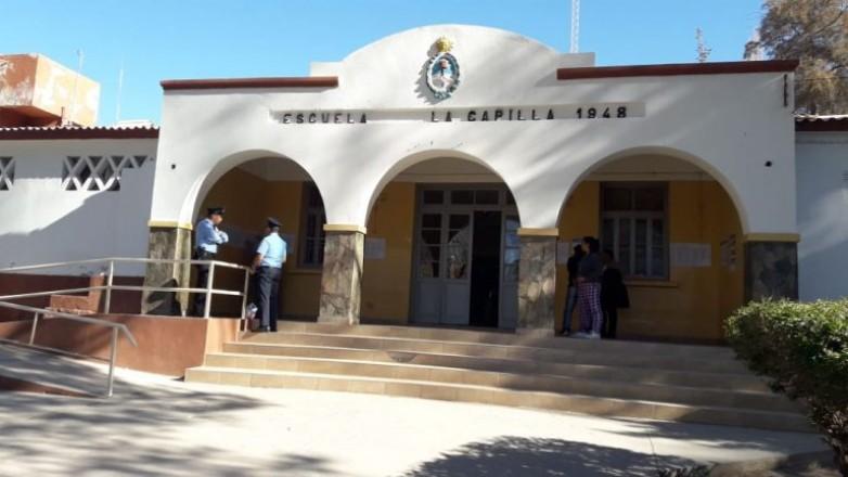 Educación renovará contratos a porteros y administrativos de zonas alejadas, en los departamentos