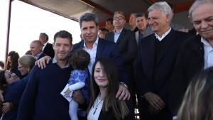Uñac entregó las llaves del barrio Amecom IV a 123 familias