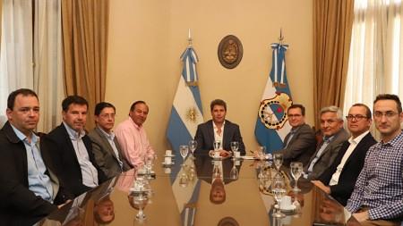 Sergio Uñac recibió a empresarios mineros