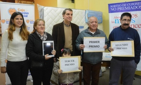 Entregaron premios de sorteosExtraordinarios de la Caja de Acción Social