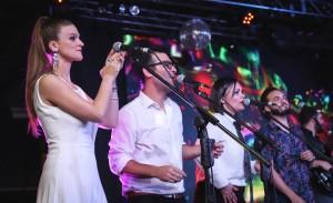 Uñac asistió a show solidario de músicos para que niños tengan sus orquestas juveniles