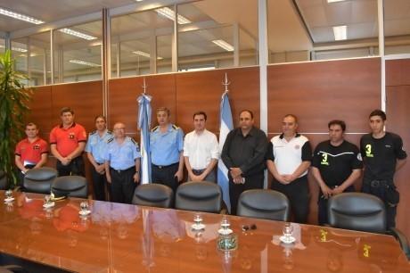 Presentación del equipo que viajará al exterior para capacitarse en rescate