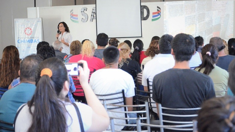 El salón del camping del SATSAID a sala llena para participar del último Curso de Manipulación de Alimentos. Fotos: Facundo Quiroga