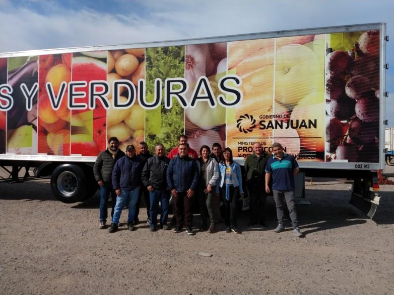 Ya partió el camión con productos Origen San Juan hacia Buenos Aires