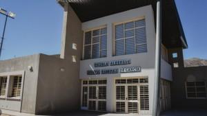 Más de 160 alumnos ya disfrutan un nuevo edificio educativo en Pedernal