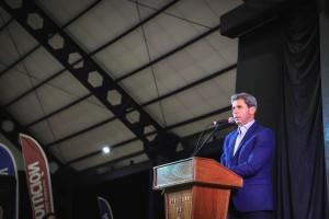 Uñac inauguró el techado del Club Deportivo Media Agua y entregó subsidios a productores agrícolas