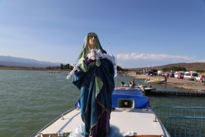 Gran acompañamiento en la procesión náutica