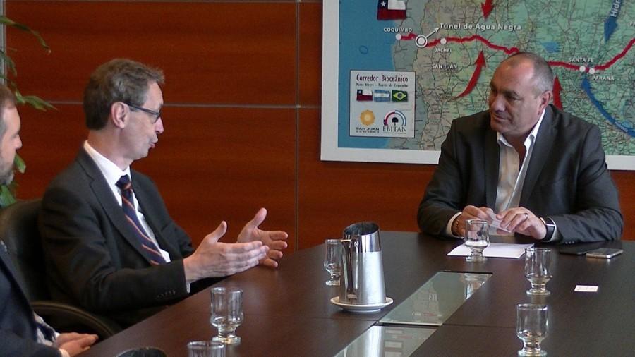 Visita del Embajador de Alemania al Ministro de Planificación e Infraestructura