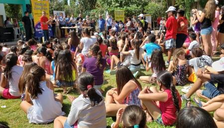 Los participantes de las colonias en Santa Lucía tuvieron una visita especial