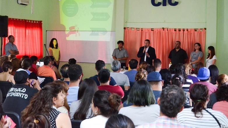Sala completa en el CIC del Bº Obrero Municipal de Zonda para el Curso de Manipulación de Alimentos. Fotos: Facundo Quiroga