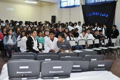 Ciclo lectivo 2017: Educación entregó 6434 netbooks y 72 Aulas Móviles