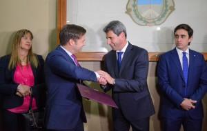 El embajador de Finlandia visitó al gobernador Uñac en busca de estrechar lazos comerciales