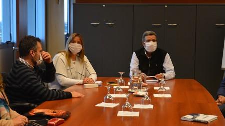 Salud, Minería y Seguridad coordinan controles a transportistas caleros