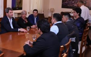 Sergio Uñac recibió la visita de representantes del sindicato de la seguridad privada
