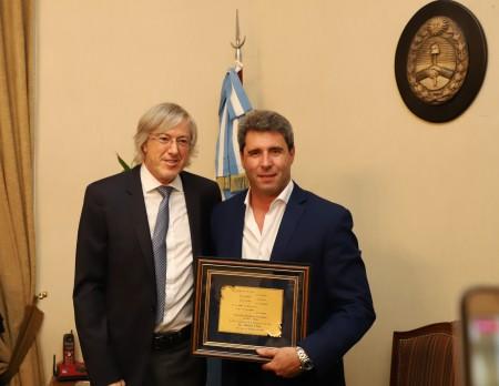 Previo a la presentación de su libro en San Juan, Alejandro Roemmers visitó al gobernador
