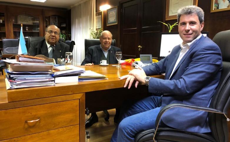 El gobernador Uñac recibió a autoridades del Automóvil Club Argentino