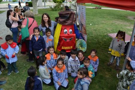 Primera y exitosa muestra de clubes ambientales de Santa Lucía
