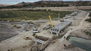 La DPV avanza en la construcción del puente sobre el río Blanco