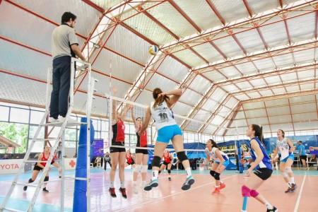 Partido de vóley femenino en los Juegos Binacionales - San Juan 2019.