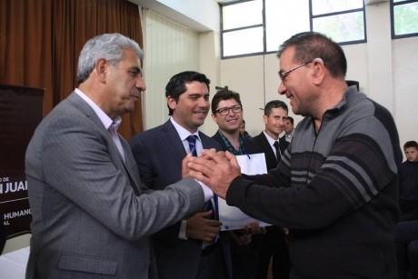 El Gobierno entregó Anteojos, Audífonos y DNI en Santa Lucía